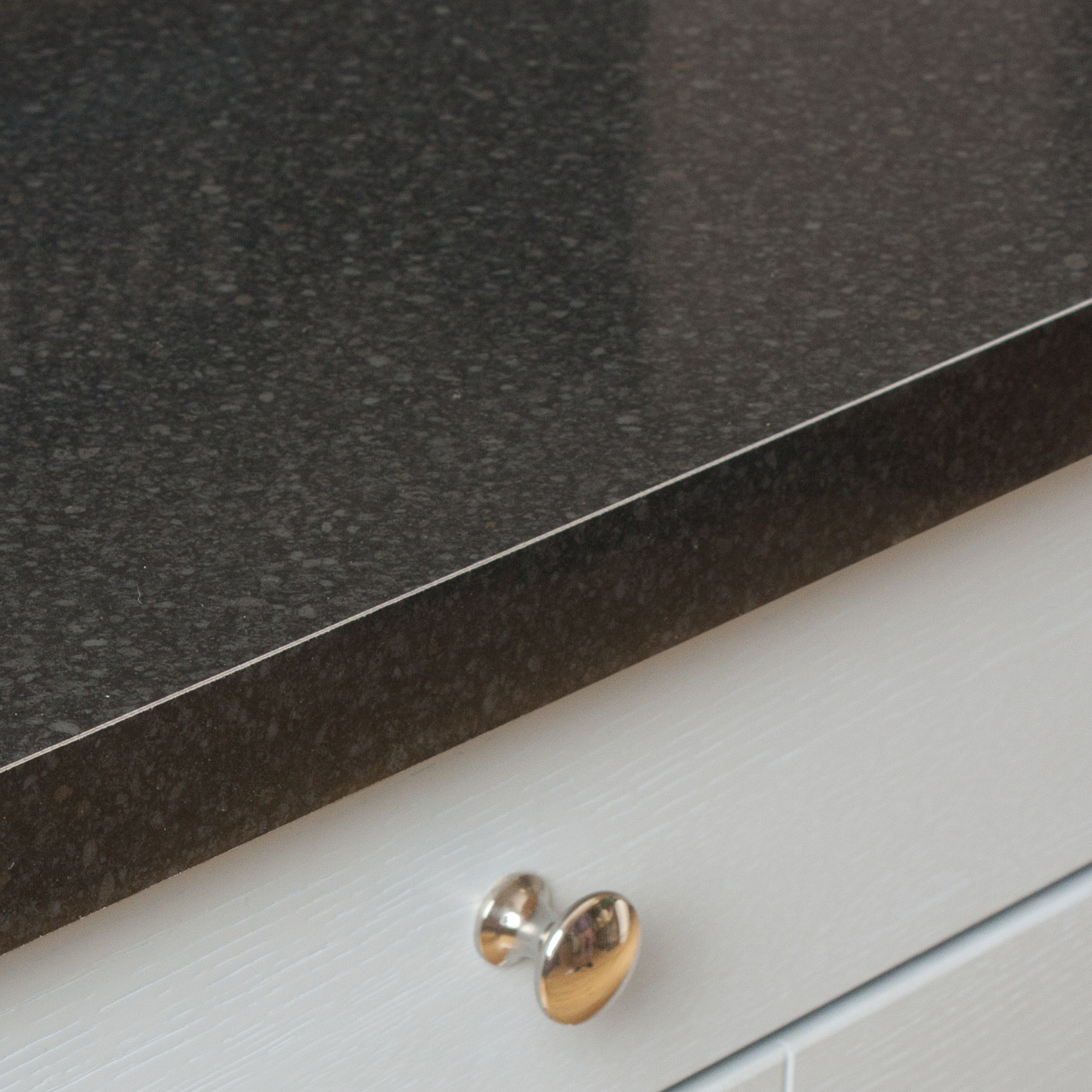 Black Gloss Kitchen Worktops Uk
